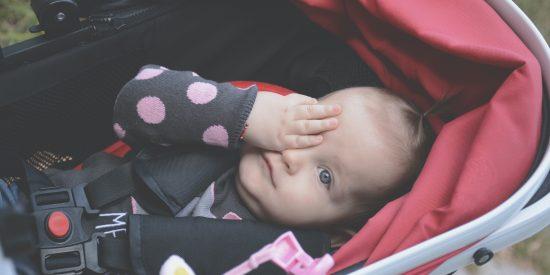 Comment préparer les premières sorties avec bébé ?
